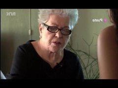 Порно видео бабы с механическим вибратором